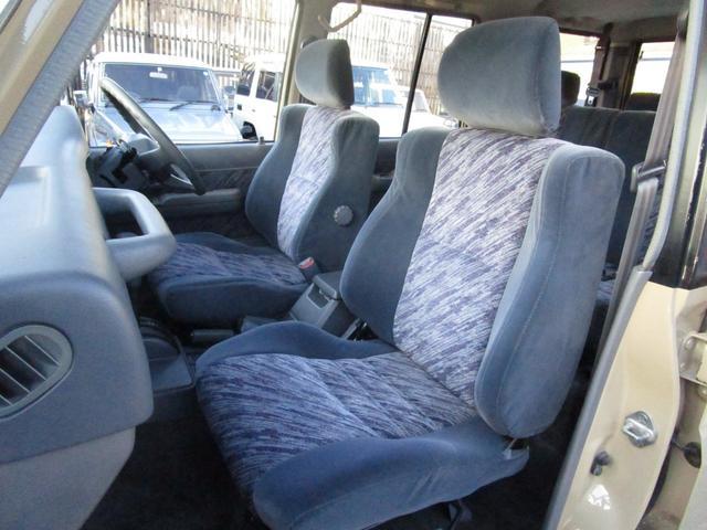 とてもキレイな助手席です!運転席に比べダメージも少ないですよ♪