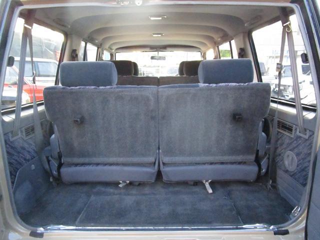 サードシートを使用しても荷室スペースは確保出来ます!