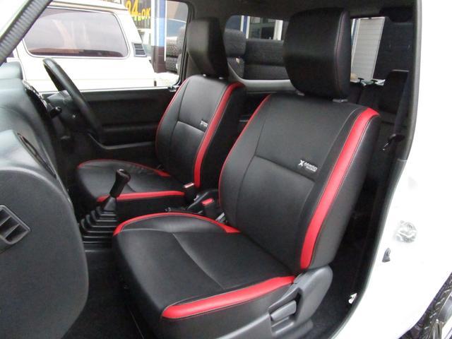 とてもキレイな助手席です!運転席に比べダメージも少ないですよ♪赤のラインも目を引きます!