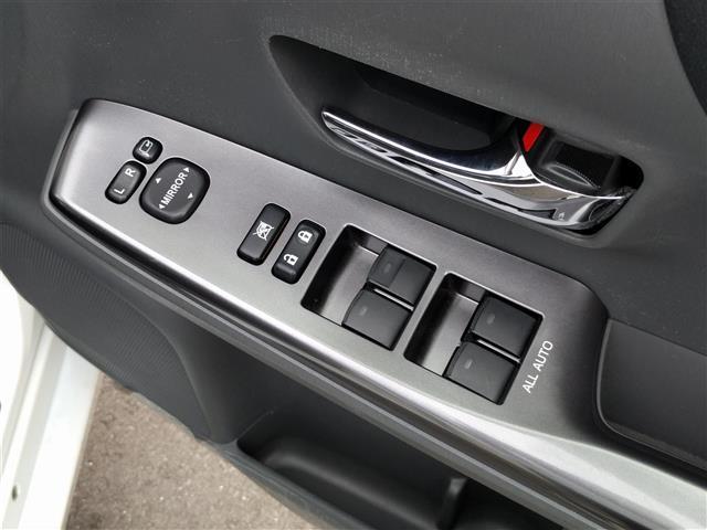 トヨタ プリウスアルファ S チューンブラック ワンオーナー メモリナビ Bカメラ