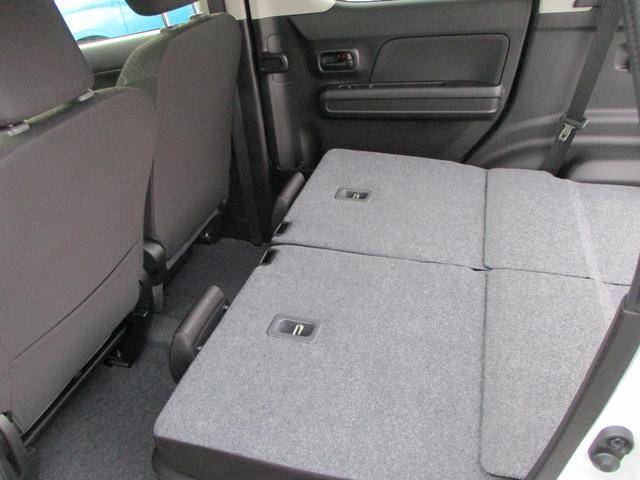 後席荷室アレンジ時にも積み下ろしがらくらくです。使いやすいラゲッジスペースです。