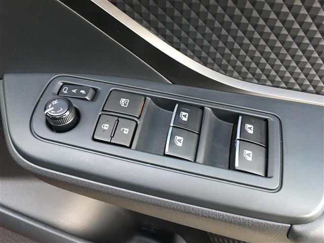 「トヨタ」「C-HR」「SUV・クロカン」「福岡県」の中古車8