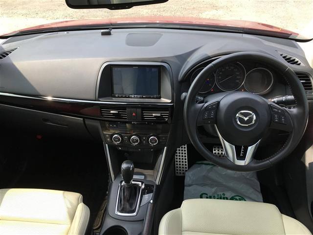 XD Lパッケージ 4WD 革シート クルコン 純正SDナビ(8枚目)