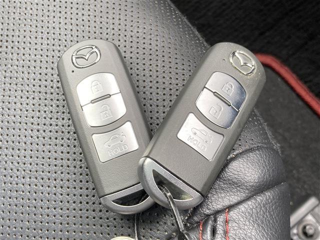 XD サンルーフ ナビ 電動シート BOSEサウンド クルーズコントロール スマートキー2本 バックカメラ ETC パドルシフト シートヒーター アイドリングストップ 純正18インチアルミホイール フォグ(24枚目)