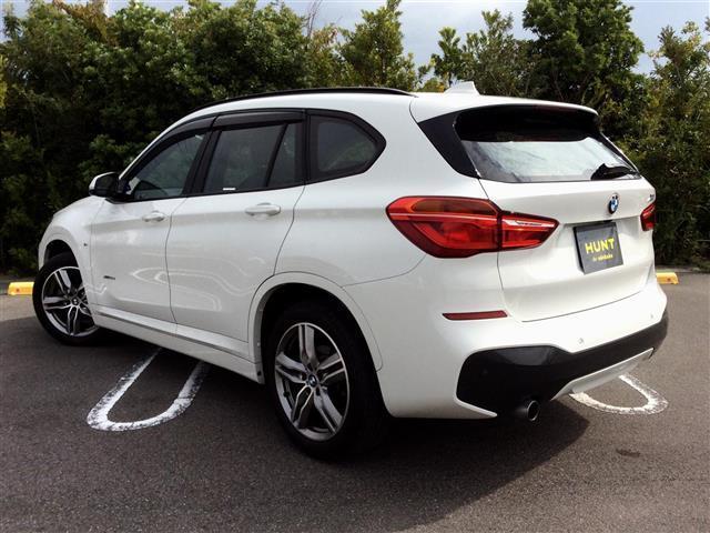 xDrive 18d Mスポーツ 黒革シート 後席モニター コンフォートPKG(3枚目)