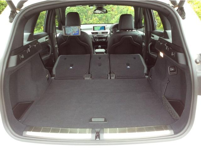 xDrive 18d Mスポーツ 黒革シート 後席モニター コンフォートPKG(19枚目)