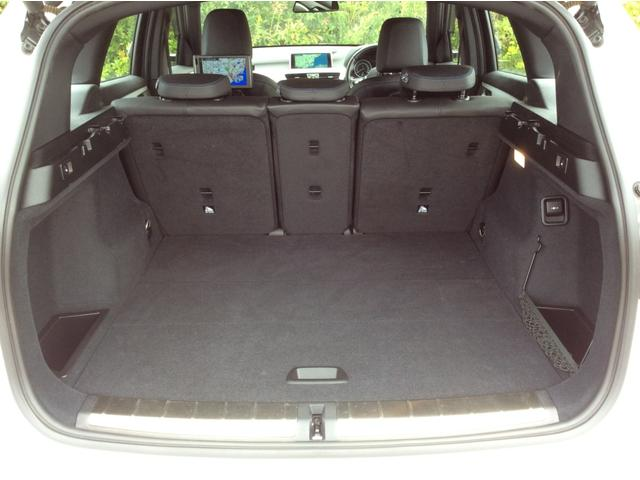 xDrive 18d Mスポーツ 黒革シート 後席モニター コンフォートPKG(50枚目)