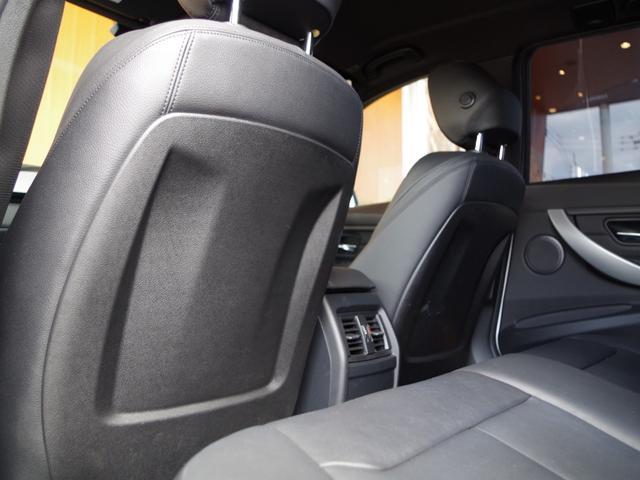 特別なクルマを選ぶための贅沢な空間をご用意。ゆったりと落ち着いた空間でコーヒーを飲みながら車選びをお楽しみください。