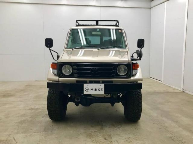 4.2 LX ディーゼル 4WD(2枚目)