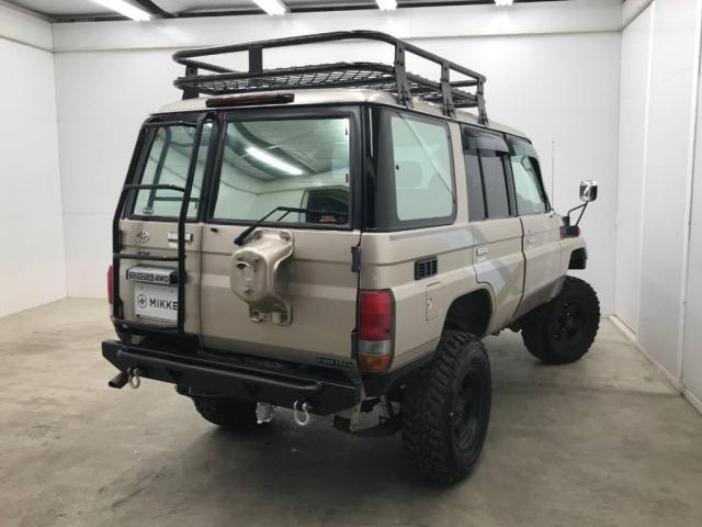 4.2 LX ディーゼル 4WD(4枚目)