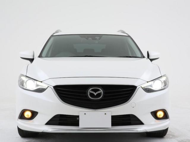 マツダのセーフティー技術も侮ってはいけません。フロントに搭載されているカメラとレーダーで走行中に歩行者や障害物を検知すると自動でブレーキをかけてくれる運転支援システムが搭載されています。