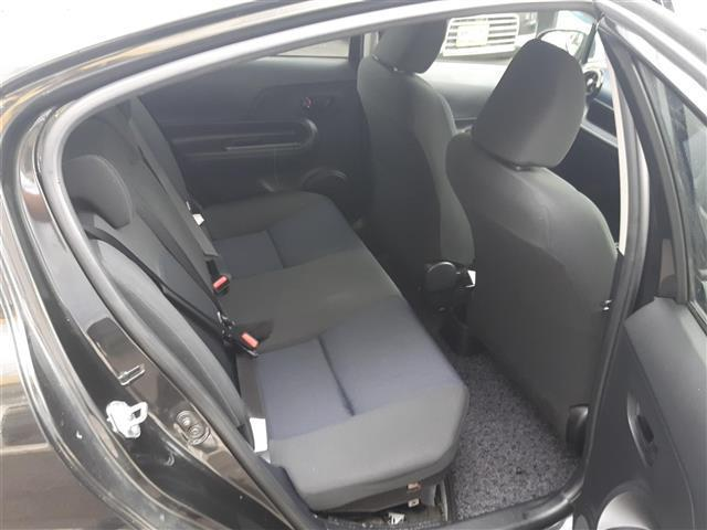 トヨタ アクア S スマートエントリーパッケージ 社外7インチナビゲーション