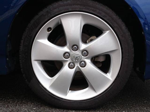 トヨタ プリウス S規格外17インチアルミホイール 社外SD7インチナビ
