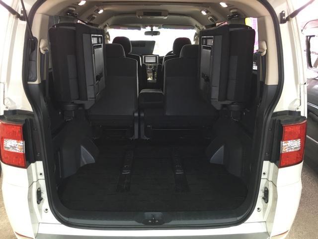 G-Premium 4WD ナビ 後席モニタ 両側パワスラ(10枚目)
