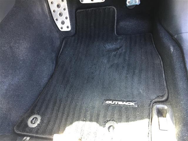 リミテッド 4WD 衝突軽減装置  革シート メモリーナビ フルセグTV バックカメラ ETC レーダークルーズコントロール パワーバックドア シートヒーター LEDヘッドライト パワーシート(12枚目)
