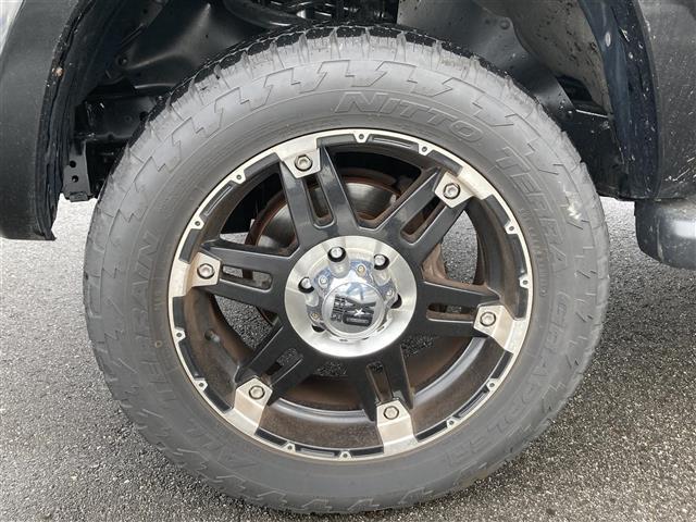 SSR-X ワンオーナー 4WD サンルーフ リフトアップ 社外20インチアルミホイール 社外HDDナビ フルセグテレビ キセノンヘッドランプ ETC(10枚目)