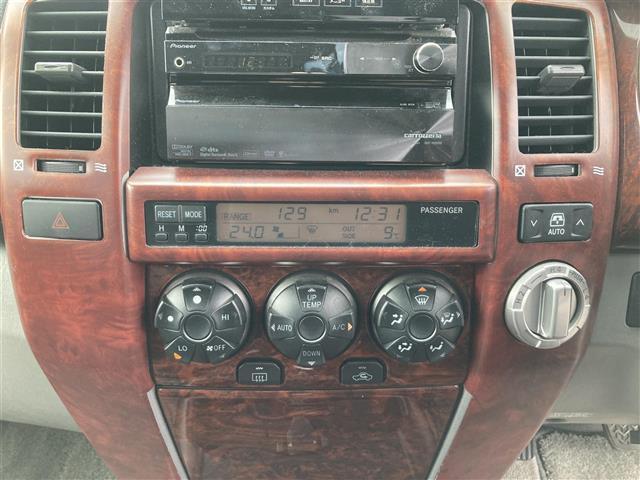 SSR-X ワンオーナー 4WD サンルーフ リフトアップ 社外20インチアルミホイール 社外HDDナビ フルセグテレビ キセノンヘッドランプ ETC(17枚目)