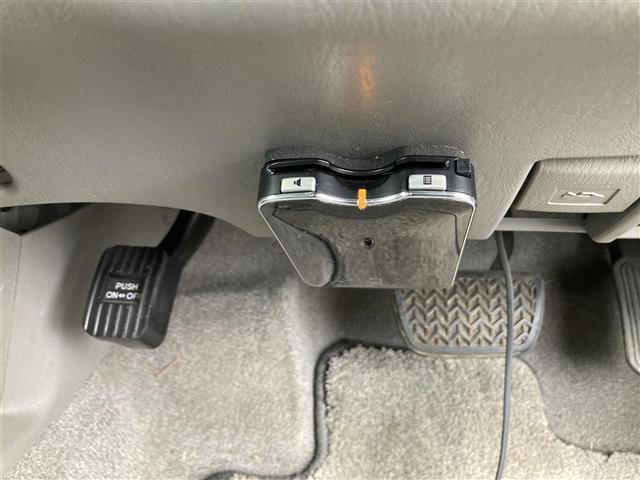 SSR-X ワンオーナー 4WD サンルーフ リフトアップ 社外20インチアルミホイール 社外HDDナビ フルセグテレビ キセノンヘッドランプ ETC(19枚目)