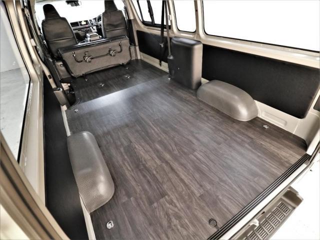 ベッドキットを追加カスタムして車中泊仕様にも出来ます!