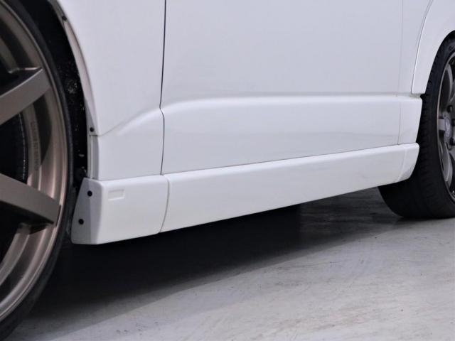 マルチロールトランスポータータイプII 寒冷地仕様 レガンスフルエアロ ヴァレンティヘッドライト 415コブラテールランプ サブモニター フリップダウンモニター 新品20インチアルミ 新品シートカバー(8枚目)