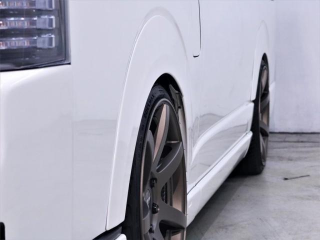 マルチロールトランスポータータイプII 寒冷地仕様 レガンスフルエアロ ヴァレンティヘッドライト 415コブラテールランプ サブモニター フリップダウンモニター 新品20インチアルミ 新品シートカバー(9枚目)