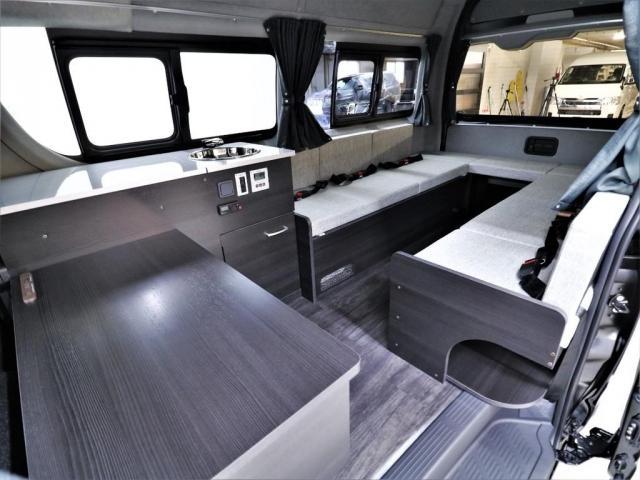 DX ロング GLパッケージ パノラミックビュー デジタルインナーミラー リアヒータークーラー FLEXキャンピング NH-TYPE2 冷蔵庫 サブバッテリー 外部充電 FFヒーター 8人乗り8ナンバー(2枚目)
