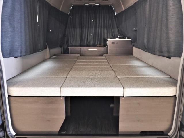 DX ロング GLパッケージ パノラミックビュー デジタルインナーミラー リアヒータークーラー FLEXキャンピング NH-TYPE2 冷蔵庫 サブバッテリー 外部充電 FFヒーター 8人乗り8ナンバー(6枚目)