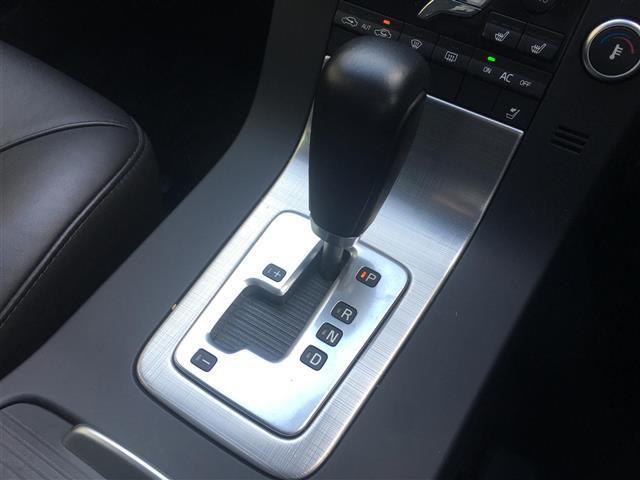ボルボ ボルボ V70 ドライブe 本革シート ワンオーナー 社外HDDナビ