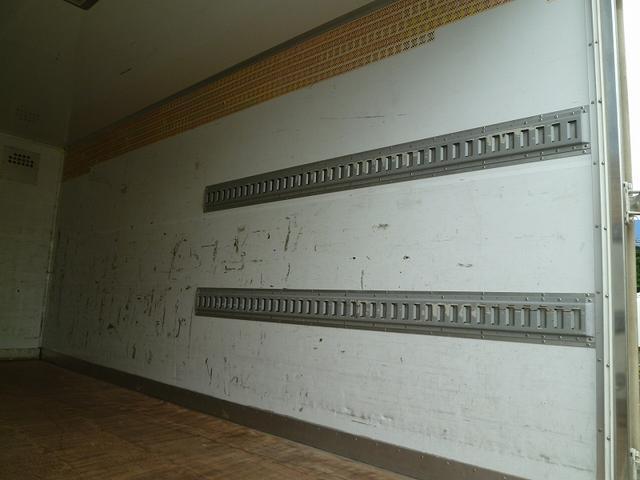 3.5t超ワイドロング 保冷バン 3枚扉 サイドドア 高床(6枚目)