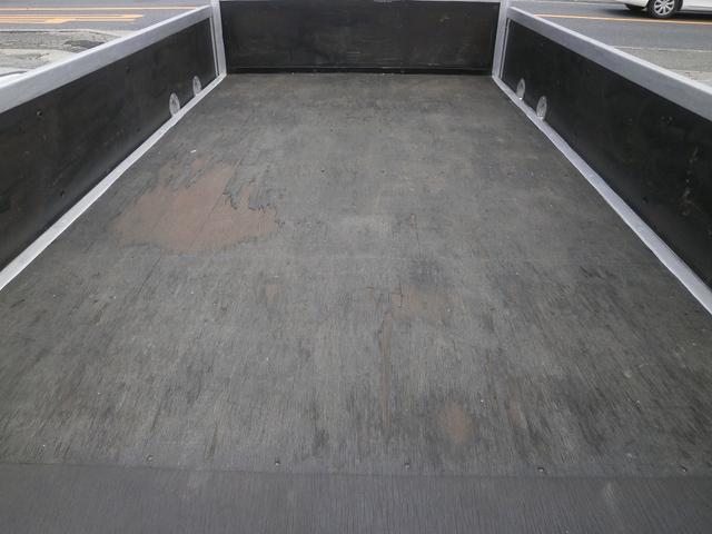 2t標準ショート平ボデー 全低床 水平チェーン ロープ穴3対(18枚目)