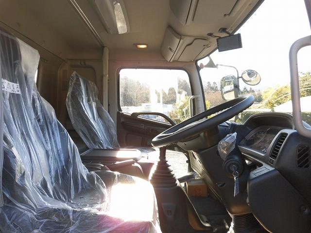 4t標準 冷蔵冷凍車 低温 格納ゲート ベッド付 エアサス(10枚目)