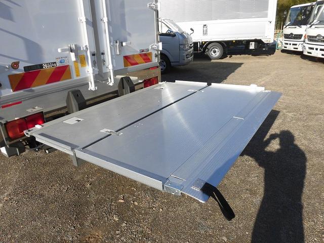 4t標準 冷蔵冷凍車 低温 格納ゲート ベッド付 エアサス(16枚目)