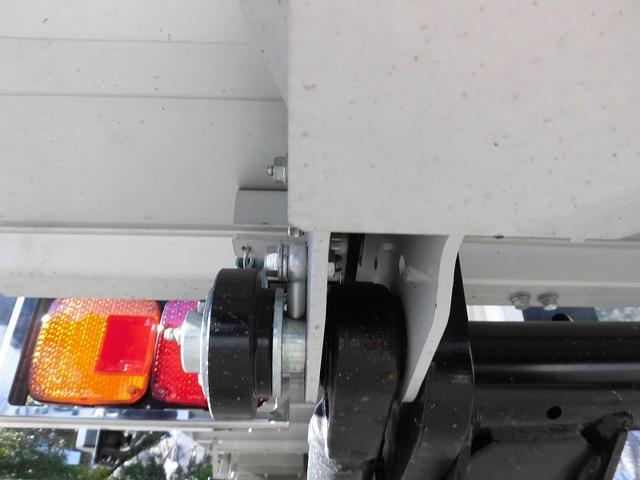 4t標準 冷蔵冷凍車 低温 格納ゲート ベッド付 エアサス(19枚目)