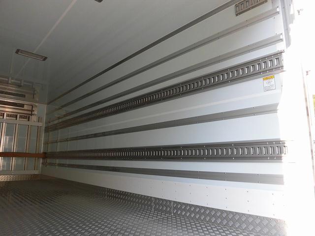 4tワイド 冷蔵冷凍車 低温 サイドドア ベッド付 エアサス(18枚目)