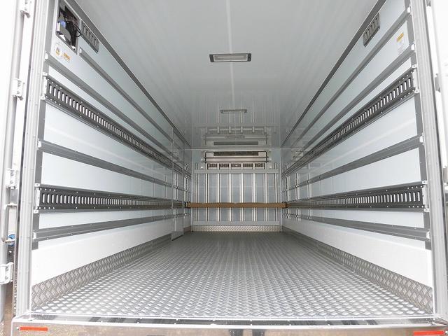 4tワイド 冷蔵冷凍車 低温 格納ゲート ベッド付 エアサス(5枚目)