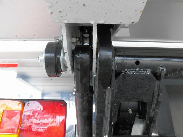 4tワイド 冷蔵冷凍車 低温 格納ゲート ベッド付 エアサス(14枚目)