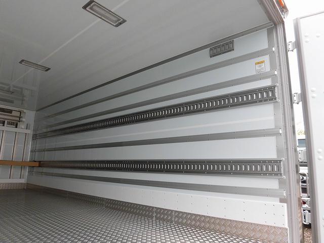 4tワイド 冷蔵冷凍車 低温 格納ゲート ベッド付 エアサス(17枚目)