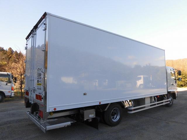 4tワイド 冷蔵冷凍車 低温 格納ゲート ベッド付 エアサス(4枚目)