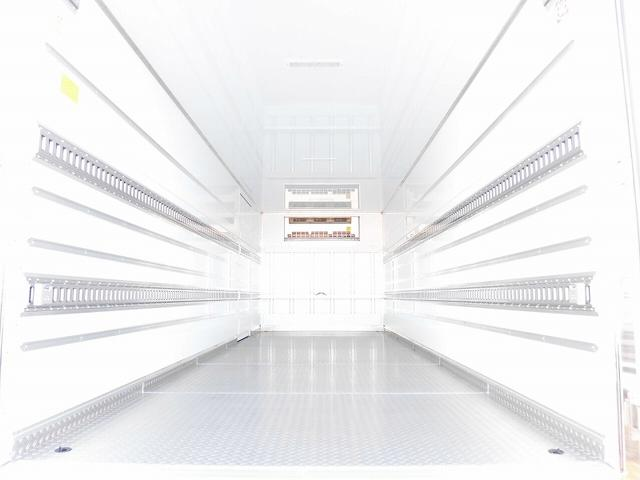 4t標準 冷蔵冷凍車 低温 サイドドア ベッド付 エアサス(4枚目)