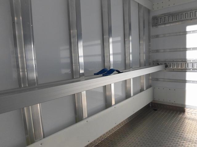4tワイド 冷蔵冷凍車 低温 サイドドア ベッド付 エアサス(6枚目)