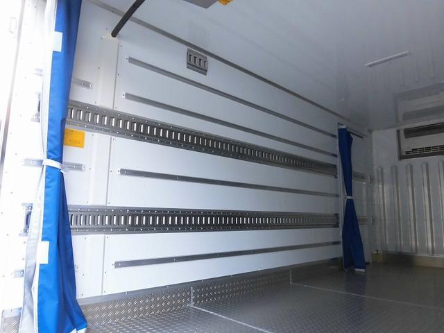 小型3tワイドロング冷蔵冷凍車 サイドドア 全低床 2室(12枚目)