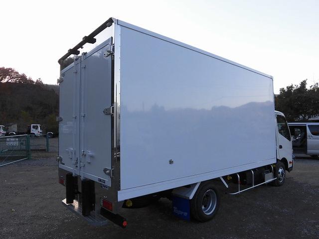 小型3tワイドロング冷蔵冷凍車 サイドドア 全低床 2室(13枚目)