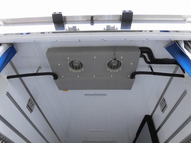 小型3tワイドロング冷蔵冷凍車 サイドドア 全低床 2室(16枚目)