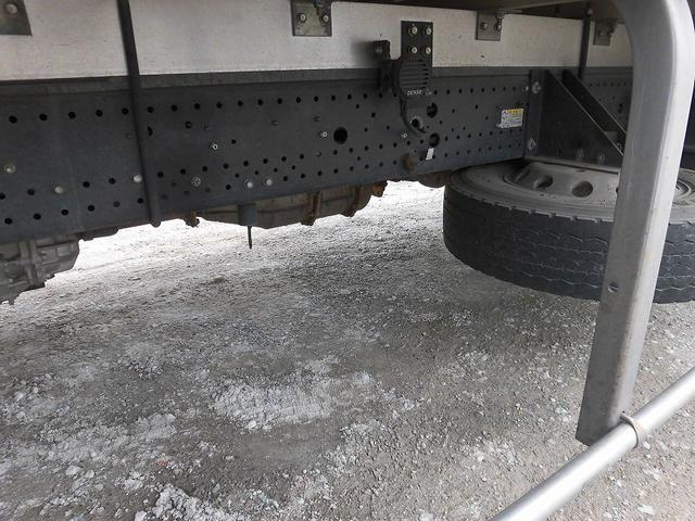 4t標準ロング 冷凍車 格納ゲート(12枚目)