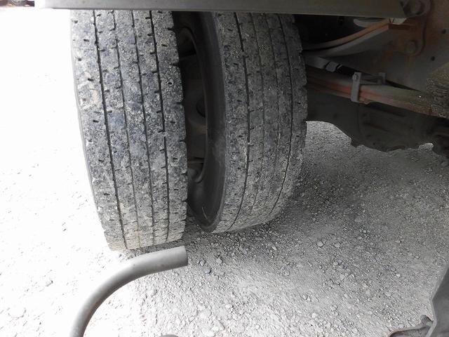 4t標準ロング 冷凍車 格納ゲート(17枚目)