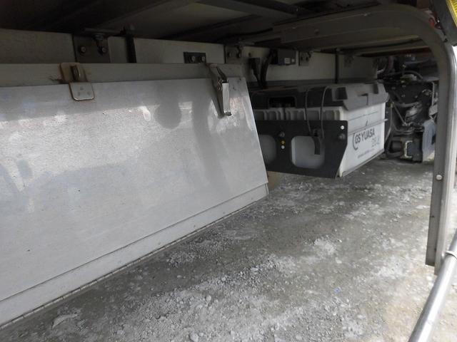 4t標準ロング 冷凍車 格納ゲート(18枚目)