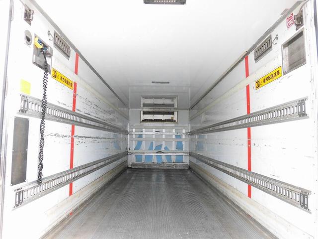 4t標準ロング 冷凍車 格納ゲート(5枚目)