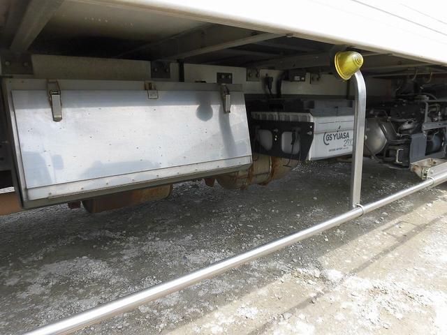 4t標準ロング 冷凍車 格納ゲート(8枚目)