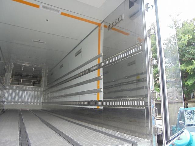 10t 冷蔵冷凍車(8枚目)