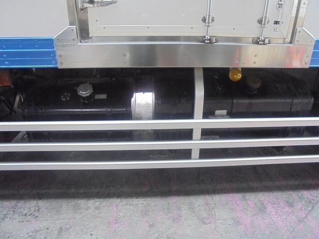 10t 冷蔵冷凍車(16枚目)